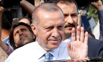 Ο Ερντογάν αποφασισμένος να νικήσει τον Τραμπ – Δήλωσε: «Δεν θα χάσουμε τον οικονομικό πόλεμο» με τις ΗΠΑ