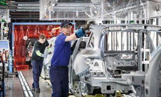 Γερμανία: Πτώση στις βιομηχανικές παραγγελίες – Ένα τρίμηνο ακόμα για ύφεση