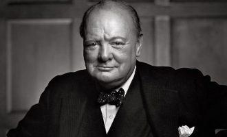 Βρετανός ιστορικός υποθέτει: «Ο Τσώρτσιλ πιθανώς είχε κακοποιηθεί ως παιδί σεξουαλικά»