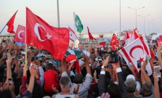 Δίνουν αβέρτα υπηκοότητες στα Κατεχόμενα της Κύπρου – 130.000 τα τελευταία 3,5 χρόνια