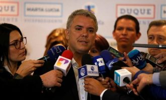 Ποιον προορίζει ο Ντούκε για το υπ. Άμυνας στην Κολομβία για να «καθαρίσει» με τους αντάρτες