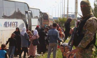 Εκκενώνονται χωριά που πολιορκούσαν οι τζιχαντιστές στη Συρία