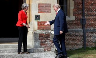 Tα βρήκαν Μέι- Τραμπ: Θα έχουμε συμφωνία εμπορίου μετά το Brexit