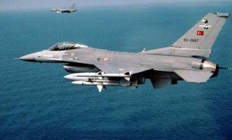 60 παραβιάσεις και πέντε εικονικές αερομαχίες από τους Τούρκους στο Αιγαίο