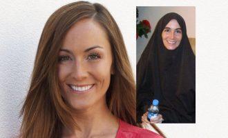 Καναδή δημοσιογράφος περιέγραψε πώς επί 15 μήνες τη βίαζαν ισλαμιστές στη Σομαλία