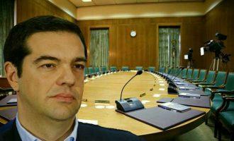 Tι λέει το Bloomberg για τον ανασχηματισμό της ελληνικής κυβέρνησης