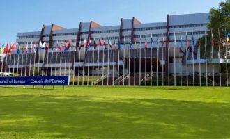 Η Κ.Σ. του Συμβουλίου της Ευρώπης ενέκρινε την πρόταση Τσίπρα για τα εμβόλια και απέρριψε την πρόταση Μητσοτάκη για το πιστοποιητικό