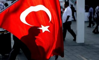 «Xαστούκι» στον Ερντογάν: 12.000 εκατομμυριούχοι εγκαταλείπουν την Τουρκία