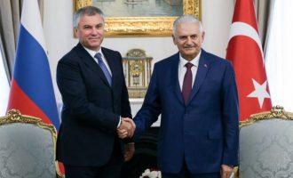 Ο πρόεδρος της ρωσικής Δούμας εξύμνησε την Τουρκία επειδή «έσωσε τη Συρία από το Ισλαμικό Κράτος»