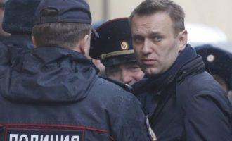 «Πάγωσε» ο Ναβάλνι: Tον συνέλαβαν στη Ρωσία την ώρα που έβγαινε από… τη φυλακή