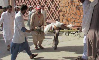 Στους 68 οι νεκροί από την βομβιστική επίθεση ανάμεσα σε διαδηλωτές στο Αφγανιστάν