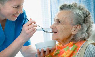 Ετοιμάζονται επτά δομές για την φιλοξενία ασθενών με άνοια και αλτσχάιμερ – Που θα λειτουργήσουν