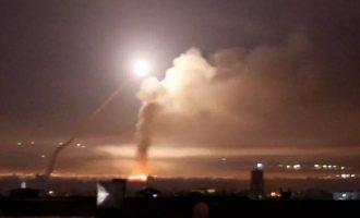 Το Ισραήλ εξαπέλυσε πυραυλική επίθεση κατά του αεροδρομίου της Δαμασκού, λένε οι Σύροι