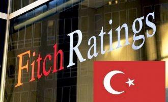 Ο οίκος Fitch προειδοποιεί με υποβάθμιση της Τουρκίας