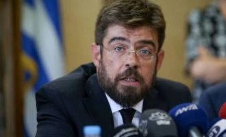 Δίωξη του Αραβαντινού θα ζητήσει ο υπουργός Δικαιοσύνης