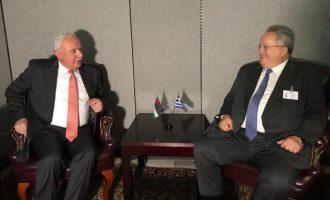 Την τριμερή Ελλάδας, Κύπρου, Παλαιστινιακής Αρχής συζήτησαν Κοτζιάς-Μαλκί στη Νέα Υόρκη