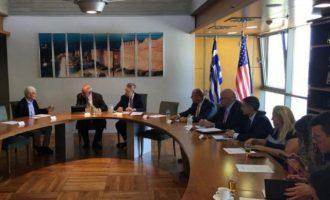 Ο Κουίκ συναντήθηκε με Ελληνοαμερικανούς επιχειρηματίες και συζήτησαν πώς ο Ελληνισμός θα κάνει επιτέλους μπίζνες