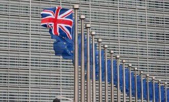 Brexit – Η ΕΕ θα στείλει νέες διαβεβαιώσεις για το ζήτημα των ιρλανδικών συνόρων