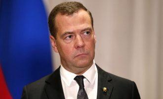 Ο Μεντβέντεφ προβλέπει 4ήμερη εβδομάδα εργασίας στο μέλλον