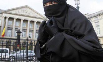 «Ανθρώπινο δικαίωμα» η μαντίλα λέει το Ευρωπαϊκό Δικαστήριο επιβραβεύοντας τον σκοταδισμό και τη θρησκοληψία