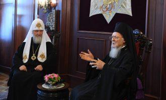 Ιερός πόλεμος: Η ρωσική εκκλησία σταματά να μνημονεύει τον Πατριάρχη Βαρθολομαίο