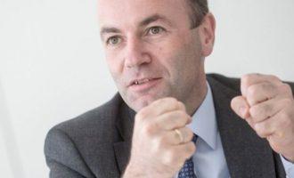 Ο Μάνφρεντ Βέμπερ επανεξελέγη επικεφαλής της ευρωκοινοβουλευτικής ομάδας του ΕΛΚ