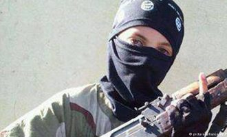 Η Γερμανία ανησυχεί για τη νέα γενιά του Ισλαμικού Κράτους – Στρατολογεί γυναίκες και παιδιά