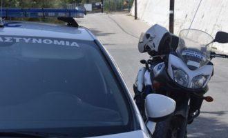 Συνελήφθη ο αστυνομικός που βρέθηκε δεμένος σε διαμέρισμα Πακιστανών στη Νίκαια
