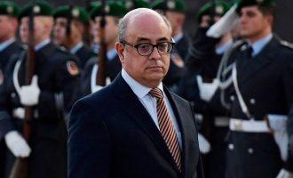 Παραιτήθηκε ο υπ. Άμυνας της Πορτογαλίας- Τον εμπλέκουν σε συγκάλυψη κλοπής όπλων