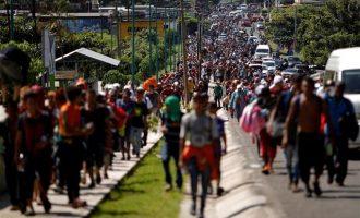 Μια ανάσα από τα σύνορα των ΗΠΑ το «μεταναστευτικό καραβάνι» από την Ονδούρα