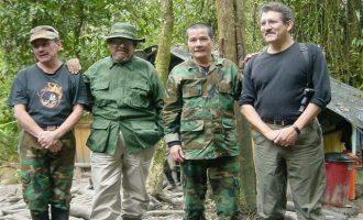 Η Ιντερπόλ εξέδωσε ένταλμα σύλληψης για τον ηγέτη των ανταρτών του ELN στην Κολομβία