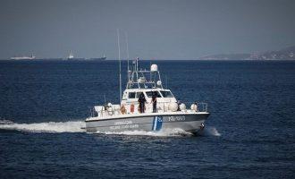 Οι εφοπλιστές έκαναν δωρεά δέκα ταχύπλοα σκάφη στο Λιμενικό