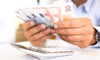 Σχέδιο για ρύθμιση ασφαλιστικών χρεών έως 30.000 ευρώ σε 60 δόσεις – Ποιους αφορά