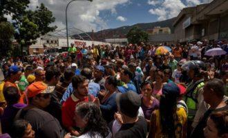 Αδειάζει η Βενεζουέλα: Πάνω από ένα εκατ. πολίτες πέρασαν στην Κολομβία