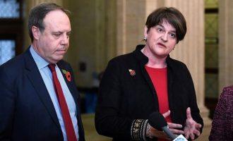 Τελεσίγραφο από το βρετανικό DUP: Καμία συνεργασία αν δεν φύγει η Μέι