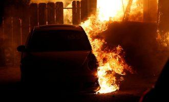 Πέντε νεκροί στη φωτιά που κατακαίει την Καλιφόρνια – Aπανθρακώθηκαν μέσα στα οχήματά τους