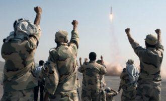 Ιράν: Οι Φρουροί της Επανάστασης πραγματοποίησαν δοκιμή ενός νέου πυραύλου