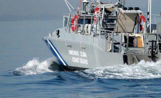 Δίωξη για διασπορά ψευδών ειδήσεων σε Χιώτισσα που «είδε» βάρκα με 70 πρόσφυγες