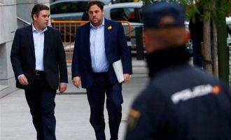 Η ισπανική εισαγγελία ζήτησε πολυετείς ποινές για τους ηγέτες της Καταλονίας