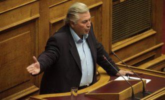Παπαχριστόπουλος: «Με απειλούν ότι θα βρω το κεφάλι μου σε χαντάκι»