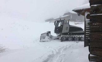 Πτολεμαΐδα: Εγκλωβίστηκαν 30 άτομα από τα χιόνια στο καταφύγιο του Χιονοδρομικού Συλλόγου