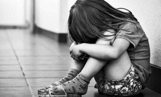 8χρονη Ινδή βιάστηκε από 16 άντρες και πέθανε