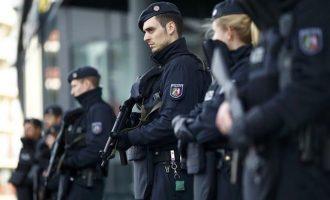 FAZ: Ενδείξεις για συγκάλυψη ακροδεξιών αστυνομικών στην Έσση