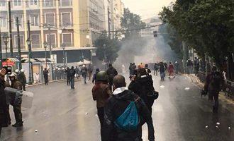 Ένταση στην Αθήνα στην πορεία για τον Αλέξη Γρηγορόπουλο