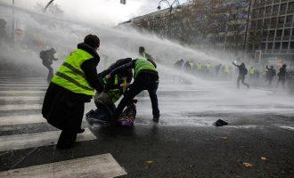 Γαλλία: Το λιανικό εμπόριο έχασε 1 δισ. ευρώ από τις διαδηλώσεις των «Κίτρινων Γιλέκων»