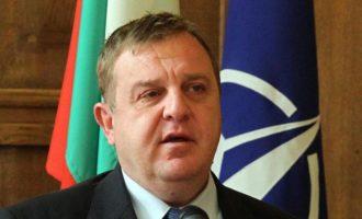 Ο Καρακατσάνοφ απείλησε ξανά τα Σκόπια με βέτο στο ΝΑΤΟ επειδή σφετερίζονται τη βουλγαρική ιστορία