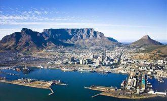 Σάλος στη Νότια Αφρική μετά τις καταγγελίες ότι έδιωξαν μαύρους από παραλία του Κέιπ Τάουν