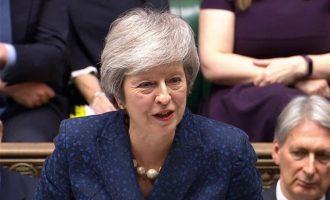 «Όχι» Μέι σε δεύτερο δημοψήφισμα: Nα μην προδώσουμε την εμπιστοσύνη του λαού