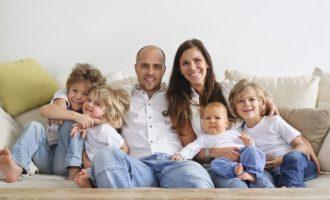 Στοιχεία ΣΟΚ από τον ΣΕΒ: Εάν δεν γεννήσουμε τώρα παιδιά ξεχάστε την ισχυρή Ελλάδα – Τελειώσαμε!