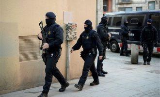 Τζιχαντιστές σχεδίαζαν μαζική επίθεση στη Βαρκελώνη – 17 συλλήψεις